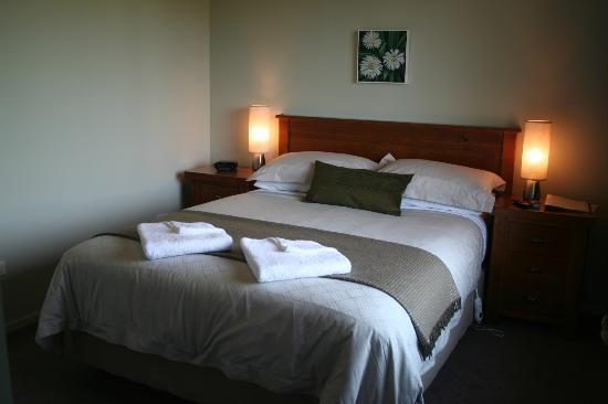 Manuka Lodge: Queen Room