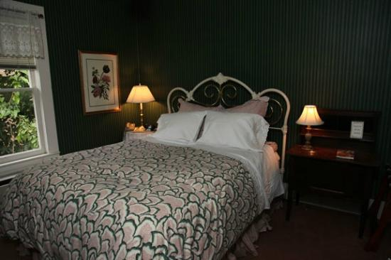 Inn on the River: Guest room