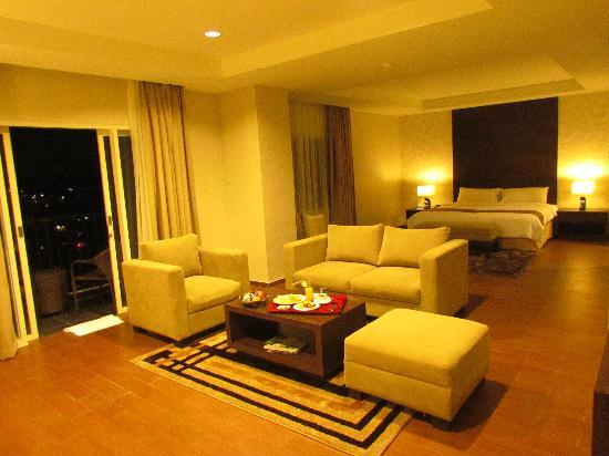 Padjadjaran Suites Hotel & Conference: Royal Suite