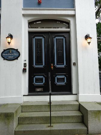 Amelia Payson House: wonderful entry