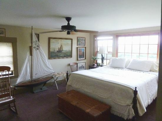 Snowville, NH: Captain's Quarter Bedroom