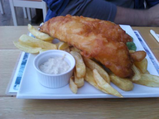 The Sun Coniston: Fish and Chips, Mushy Peas Tartar sauce