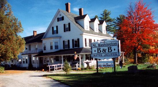 Mt. Washington Bed and Breakfast : Mt. Washington Bed & Breakfast in the Fall