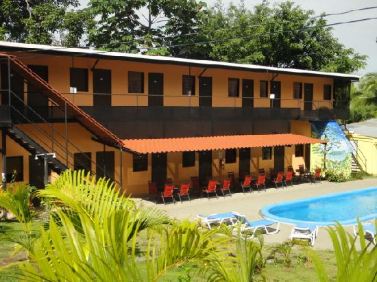 El Faro Beach Hostel
