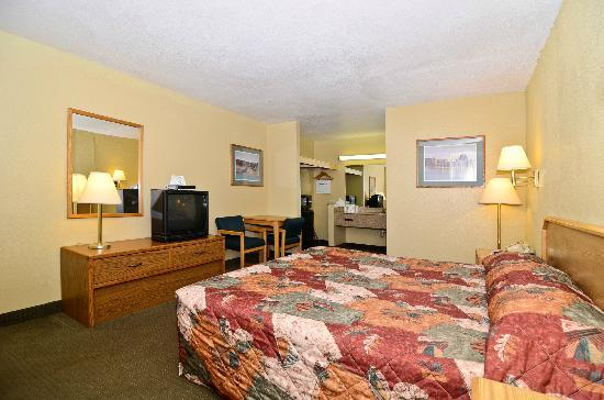 Motel 6 Parker: King Room