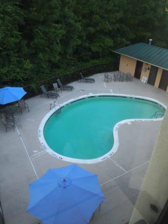 Holiday Inn Express Hotel & Suites: Pool