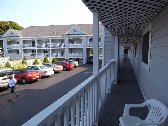 Hyannis Travel Inn: View from balcony