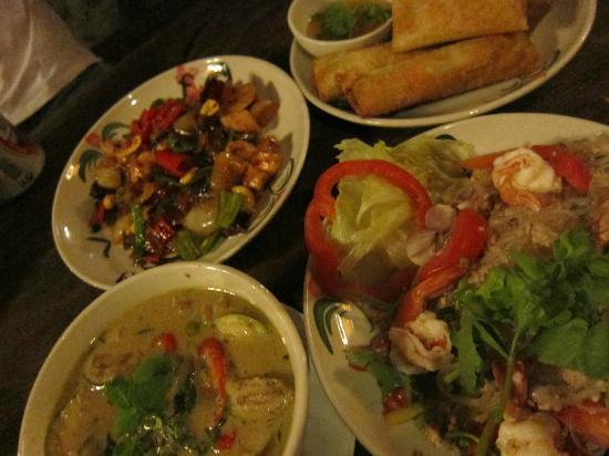 BaanBooLOo Traditional Thai Guest House: Best Dinner in Thailand