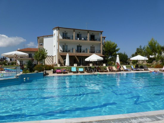 Nostos Hotel:                   Just too good for words!
