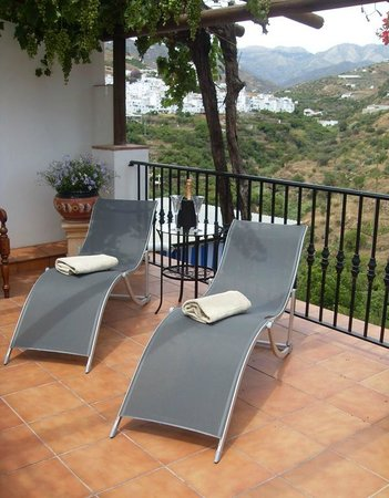 Hotel La Casa: lounging on the terrace!