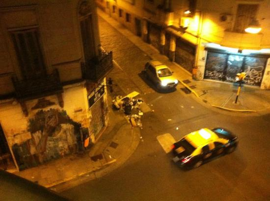 Piedras Suites: The view from my room: trash in the streets, graffiti, and gangsters under the balcony.