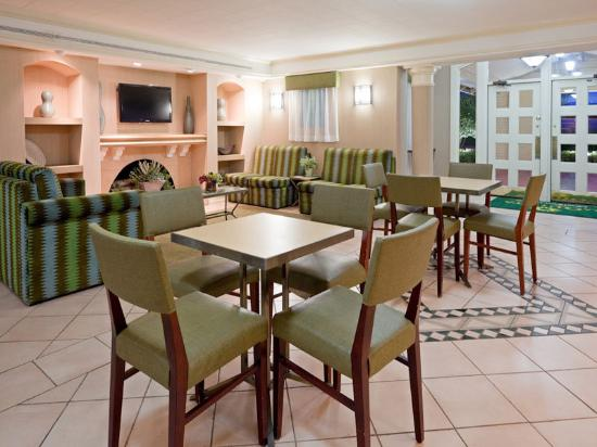 La Quinta Inn Dallas Lewisville: Breakfast Area