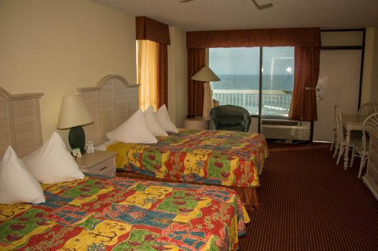 Bahama House: All rooms are ocean view or ocean front