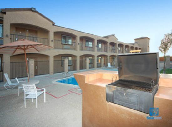 BEST WESTERN San Benito Inn: Take Advantage Of Our Barbeque Area