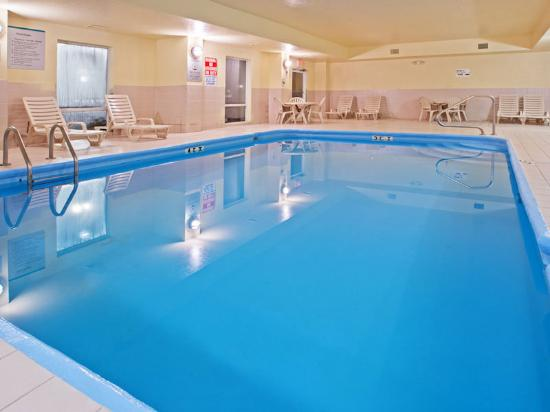 La Quinta Inn & Suites Columbus West - Hilliard: Pool