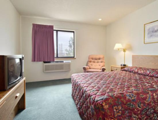 Super 8 Motel Sibley: Standard Queen Bed Room