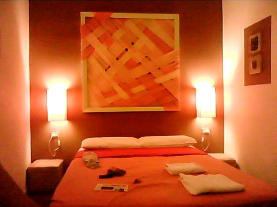 BBH Bed and Bed House Firenze: Stanza