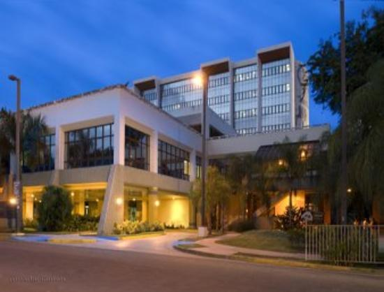 Howard Johnson Centro Cardiovascular San Juan Hotel