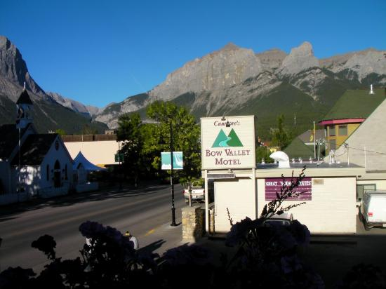 Bow Valley Motel: Morning shot
