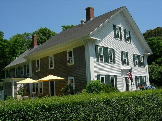 The Blushing Oyster Bed &amp; Breakfast: The Blushing Oyster