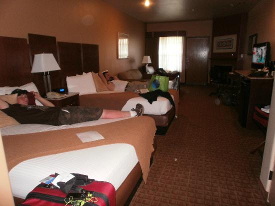 Sedona Real Inn and Suites: Deluxe double queeen room with balcony