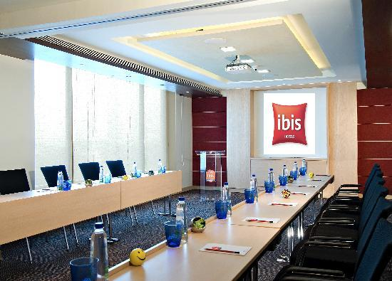 Ibis Pune: Meeting room