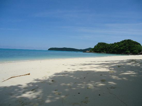 SweetDreamers Charters - Private Day Trips: The first deserted beach we stopped at