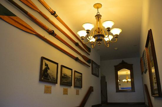The Coupeville Inn : Hallway at the inn