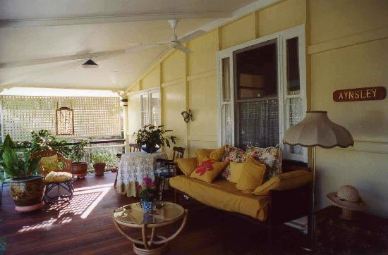 Aynsley Bed and Breakfast: front verandah