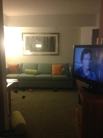 SpringHill Suites North Shore: Living Room