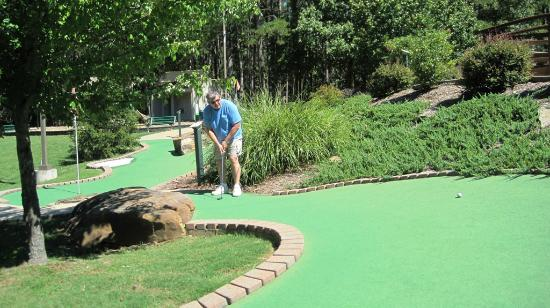 Fairfield Bay, AR: Putt putt course