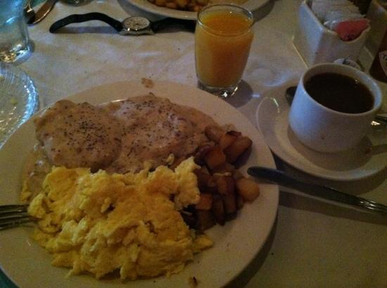 ‪‪BEST WESTERN Plus Station House Inn‬: Free breakfast!