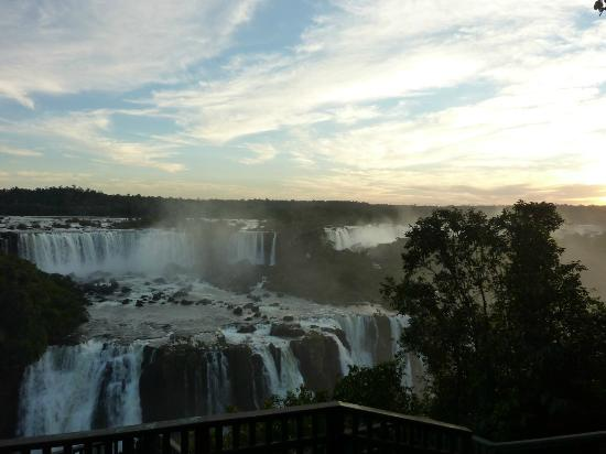 Belmond Hotel das Cataratas: Sunset view from the Brazilian side