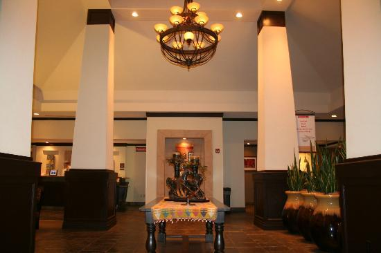 Hilton Garden Inn El Paso/University: Lobby Entrance