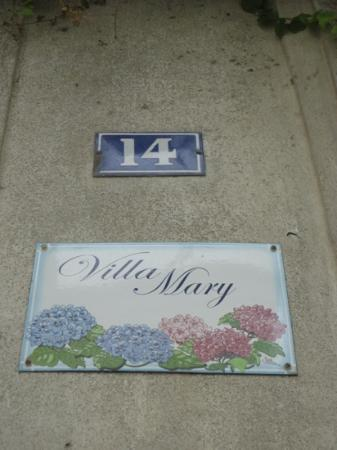 Sign outside entrance to Villa Mary
