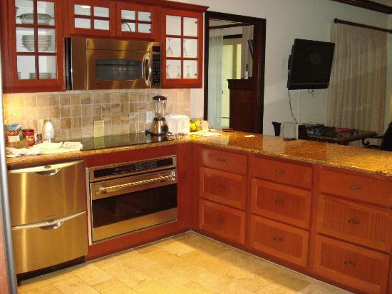 Waipouli Beach Resort: Kitchen