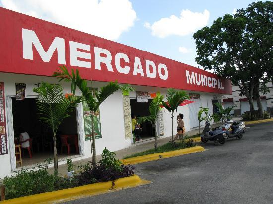 Safari Inn: El Mercado Municipal