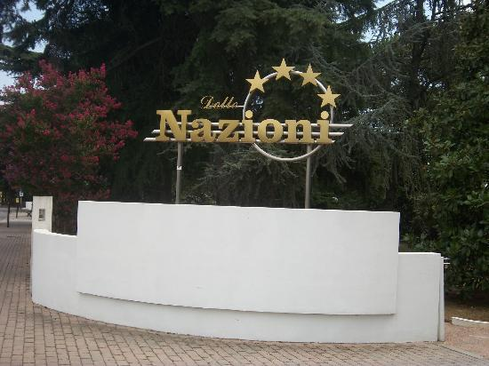 Wellness Hotel Terme delle Nazioni: front of the hotel sign