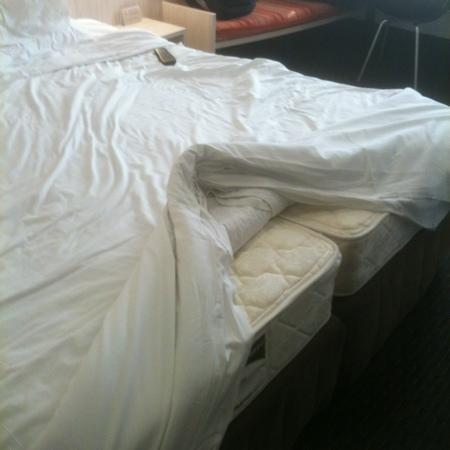 Ibis Wellington: king sized bed was just two singles pushed together :-(