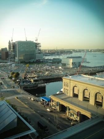 Seaport Boston Hotel: The view from 16th floor