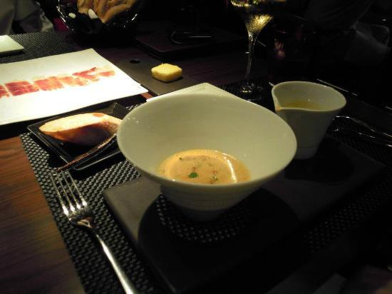 Joel Robuchon Restaurant: Lobster Bisque, excellent!