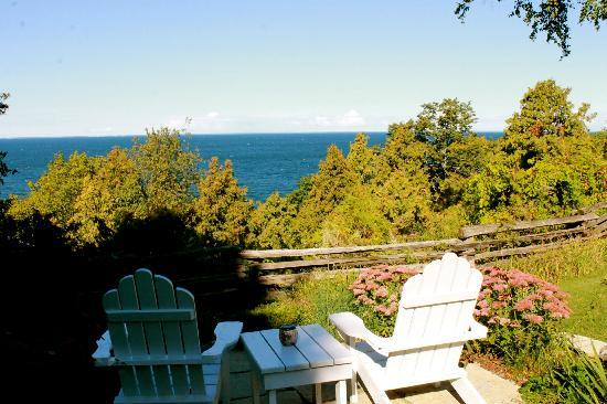 Bay Point Inn: view from the chairs on the lawn