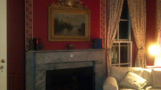 Cromwell Manor Inn: My favorite room