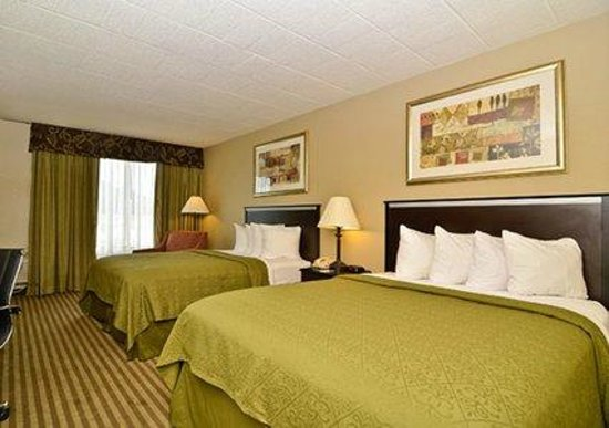 Quality Inn & Suites Indiana: Our Room
