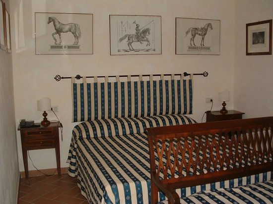 Locanda La Pieve: English Room