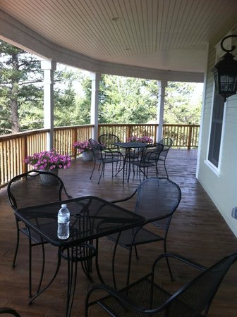 Edgewood Inn: Patio