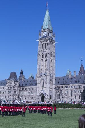 Fairmont Chateau Laurier: Parliament