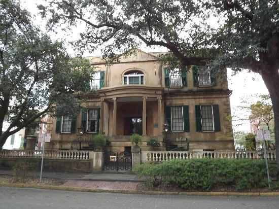 Owens-Thomas House: front