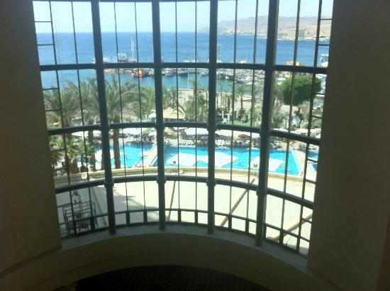Hilton Eilat Queen of Sheba: the view from the elevator.