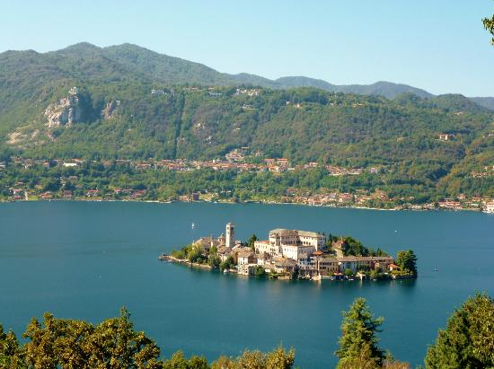 Lake Orta (Lago d&#39;Orta): Lake Orta and Isola San Giulio